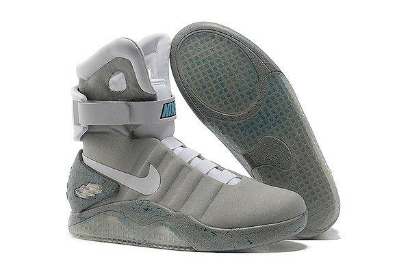 酷 Nike要推出一双会自动系鞋带的鞋