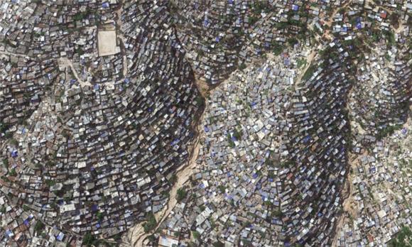 看完这13张照片,你还会说我们的 洪涝区、火山的斜坡、不稳定的山