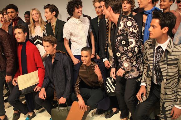 Burberry宣布合并男女装秀 以及走完秀就能立刻买