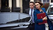 【个人意见】8.8分的《保镖》:这部BBC神剧把女主给弄死了