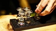 绿地投资的白酒公司完成前期注册,首款产品明年上市