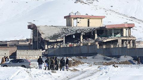 外媒:阿富汗军营遭塔利班袭击,百余名安全部队人员死亡