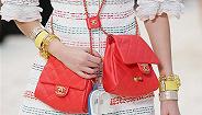 Chanel的双挎袋上新,要怎么背才能好看?