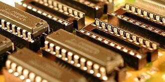 【评论?#30475;?#32043;光系上市公司看芯片产业的困境与机遇