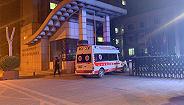 【图集】探访齐鲁制药发生事故药厂:深夜仍有急救车辆进入