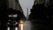 全国大停电的周末怎么过?上千万阿根廷人经历了这样一天